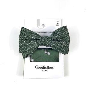 Holiday Deer Adjustable Bow Tie & Pocket Square